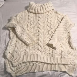 Sweaters - ❤️SALE❤️NWOT cowl neck sweater